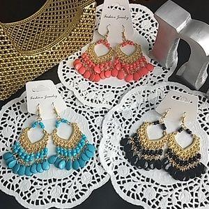 Jewelry - BOHO Dangle solid color earrings